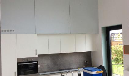 keuken met plakwerk